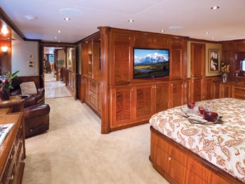 150' Excellence yacht VIP bedroom